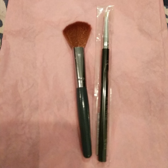 4 for $20 NEW makeup brushes Ulta & Crown Pro